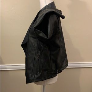 "Baccini Jackets & Coats - BACCINI BLACK ""LEATHER"" JACKET! ZIPPERED POCKETS '"